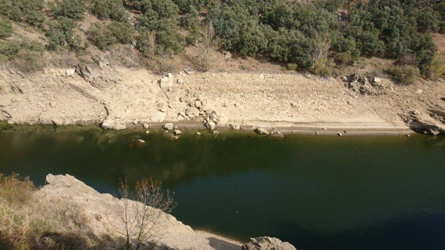 Lozoya, y el río