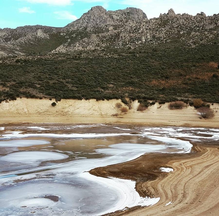 del embalse de Becerril de la Sierra helado (vuelvepiedras IG)